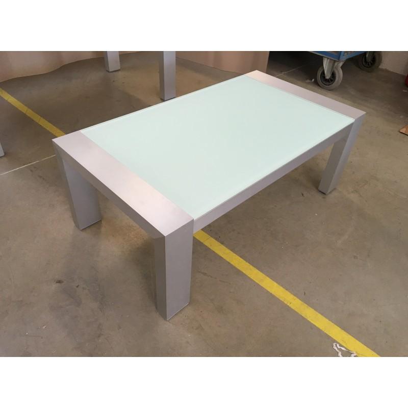 moderní konferenční stolek na míru