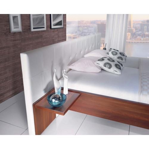 Masivní postel na míru Mondo s možností potáhnout do jakékoliv látky či kůže